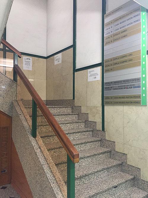 Sube las escaleras a la primera planta. Chollo Games